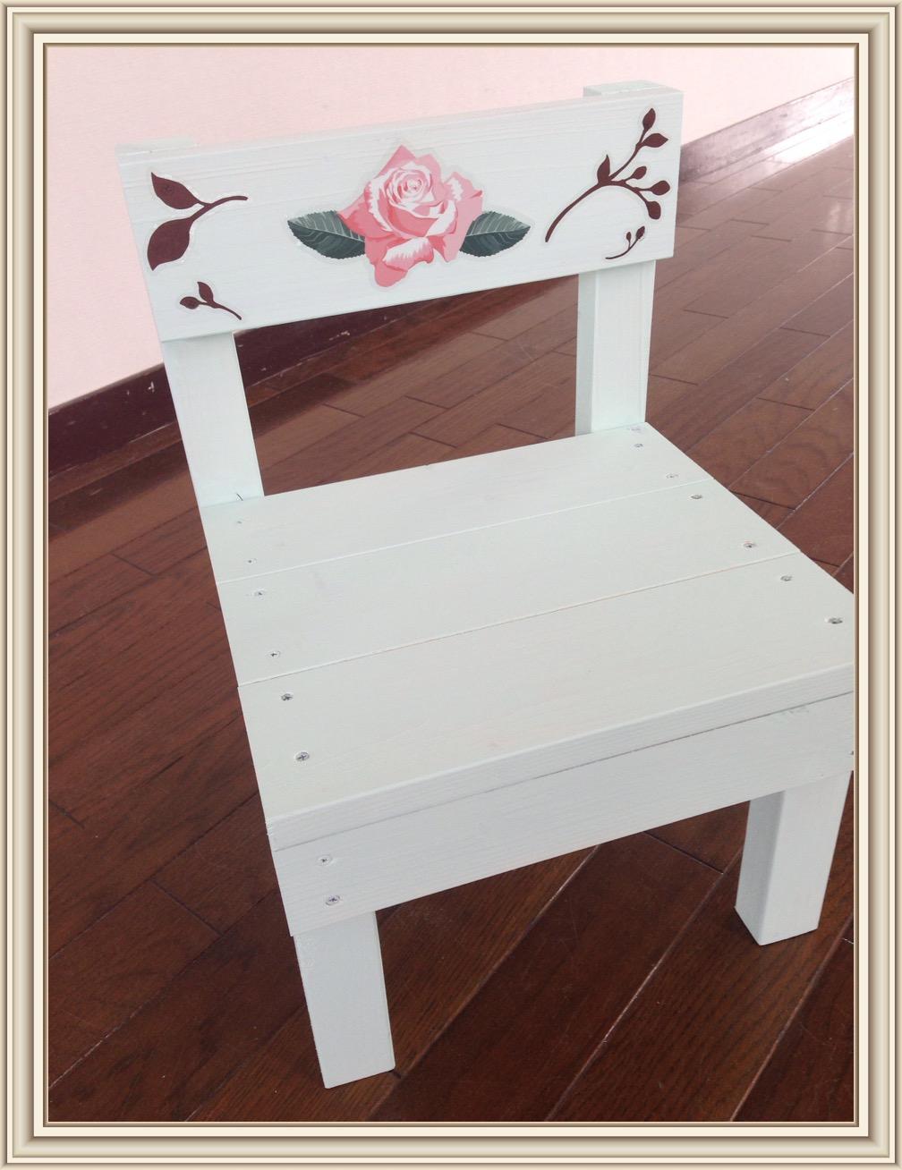 ミニチュアな椅子