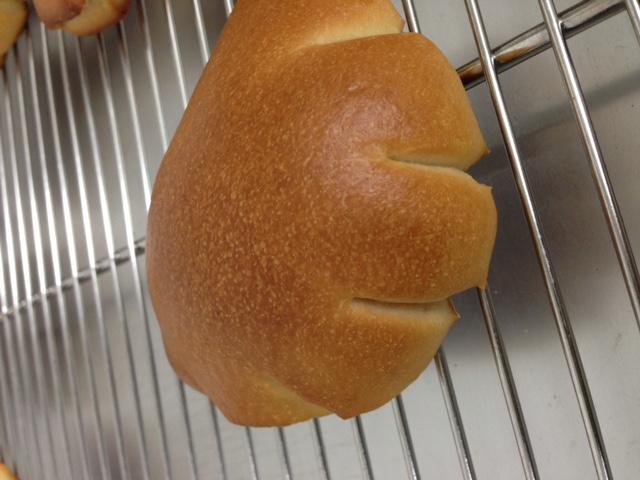 クリームパンも焼きました